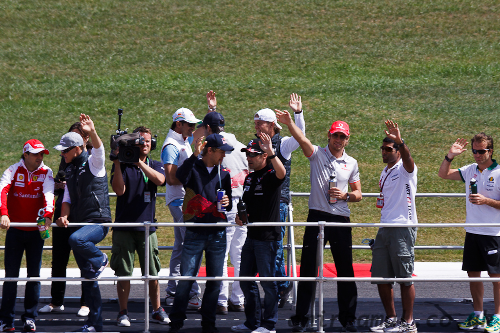 Sunday, Formula One drivers Parade