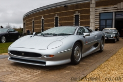 JaguarXJ220 and  E-Type